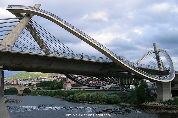 斜拉桥简笔画-西班牙的奥伦塞千禧桥