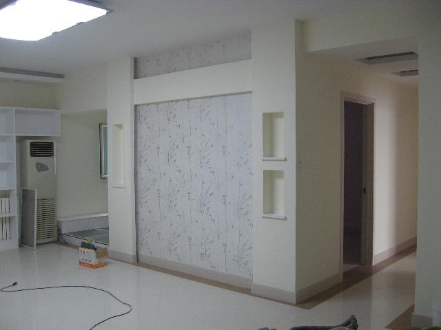 衣柜,杂物柜,鞋柜,换鞋凳柜 <IMG>从玄关处看影视墙的效果,