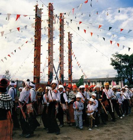 景颇族的历史,风俗习惯及宗教信仰