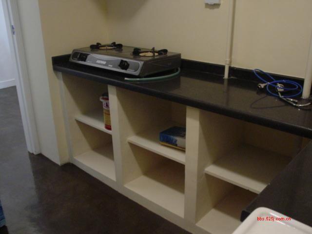 砌厨房瓷砖橱柜装修效果图 砖砌厨房灶台设计图