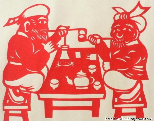 """田亚莉的剪纸作品艺术品位极深,有专家称其为:""""中国的毕加索"""",她"""
