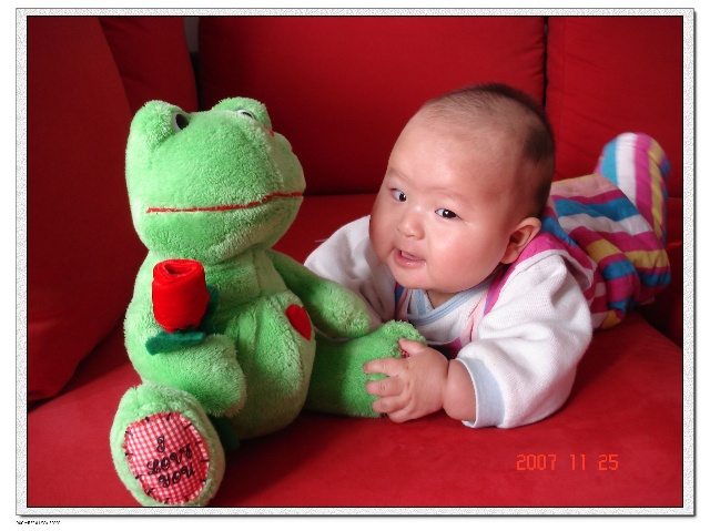 生活点滴 姨姥在卧室哄着美漪:小青蛙