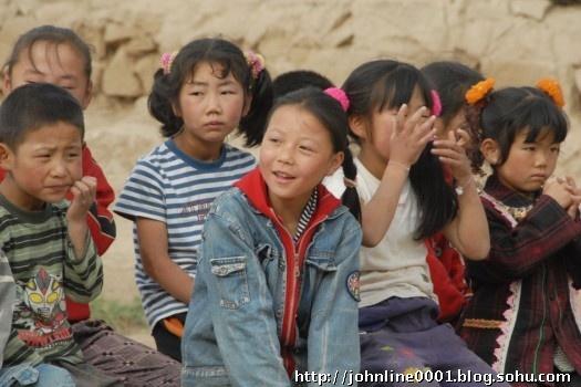 09年暑假西部支教--那一双纯净的眼睛【林子支教视线】 - 西部旅行者 - 在贫困中寻找力量