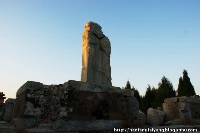孝庄太后墓前的石碑-清东陵