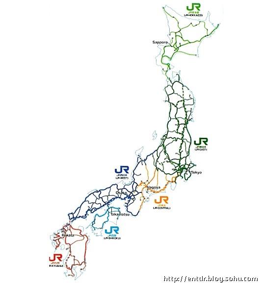 """未来的主要交通工具什么? 这个问题一直困扰我。 今天看新闻,说祖国的北边又雪灾了。汽车、飞机等都无法上路。最后只剩下火车了。 这使我想起在日本的经历。   日本最大的铁路公司是JR(日本铁路),集团由六个客运铁路公司和几个非客运企业构成。它的铁路线如同蛛网般地网罩了日本国土全境。 每一个中型城市之间都有有一个火车的换车中心。   就因为东京的火车及地铁交通的完善,我在东京竟然没有看到街头的堵车。   以前说是北京、上海等式""""国际堵城"""",不曾想现在的杭州、温州、台州也是堵得不行。"""