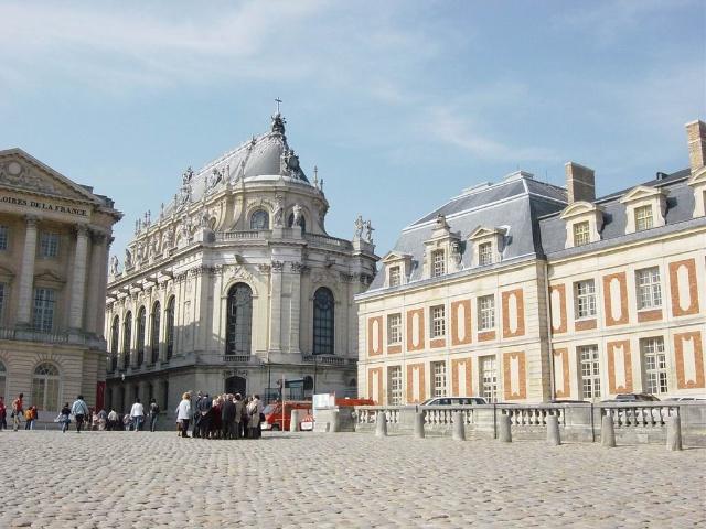 世界上最大的宫殿单体建筑是法国的凡尔赛宫