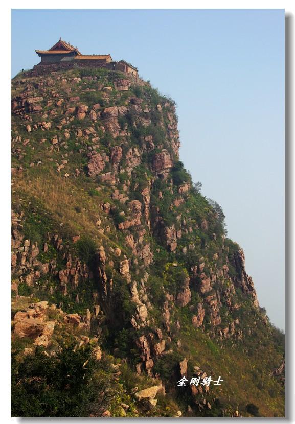 高山寺庙风景图片