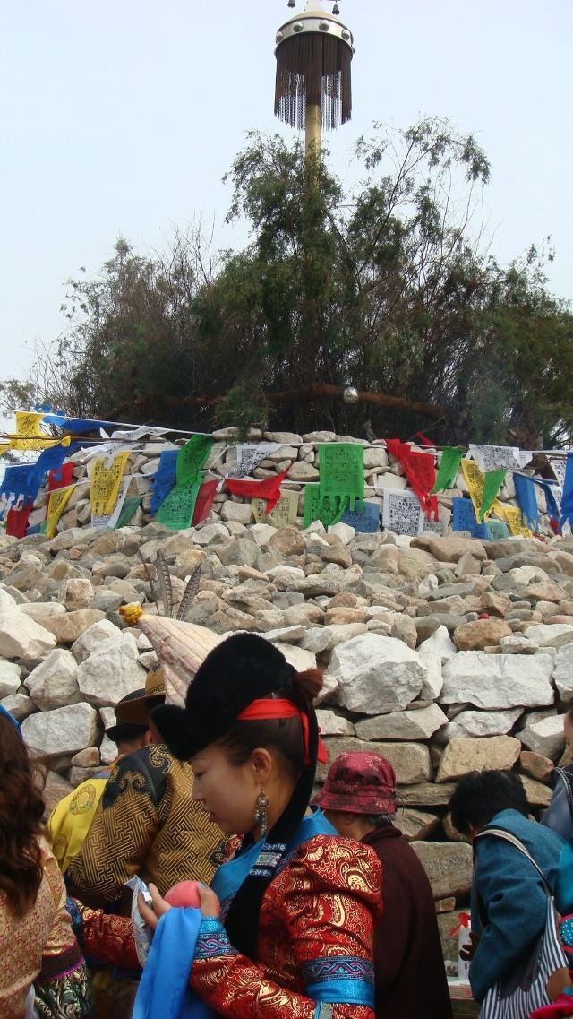 包头市首届敖包节在赛汗塔拉城中草原举行