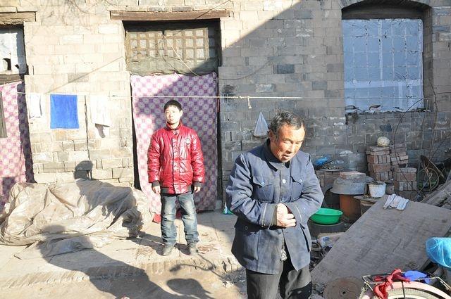 2012年1月3日藁城兴安镇贫困生捐助走访